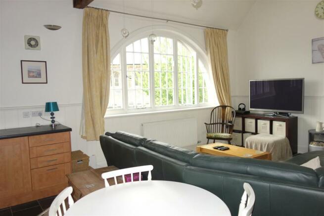 open plan lounge1.JP