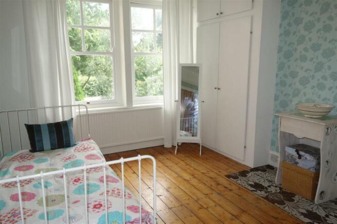 bedroom front1.JPG
