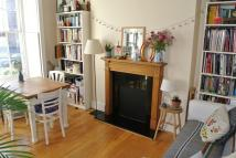 Flat in CLAPHAM ROAD, OVAL