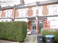 2 bedroom Flat to rent in Elvendon Road...
