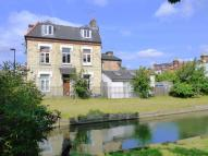 2 bedroom Flat for sale in Whittington Road...