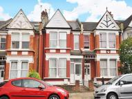 4 bed Terraced house in Elvendon Road...