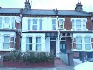 4 bedroom Terraced house to rent in Elvendon Road...