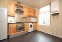 2 bedroom Flat in Meanwood Road, Meanwood ...