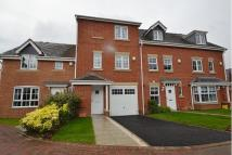 Town House to rent in The Oaks, Middelton...