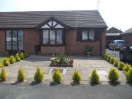 Semi-Detached Bungalow to rent in OAK CLOSE, Ingoldmells...
