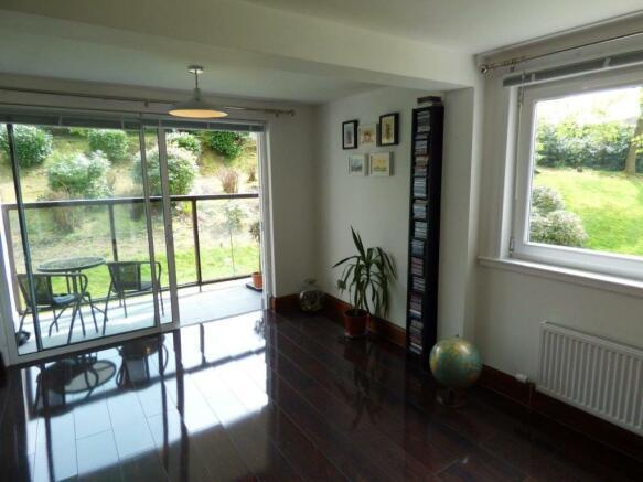 Dining Area& Balcony