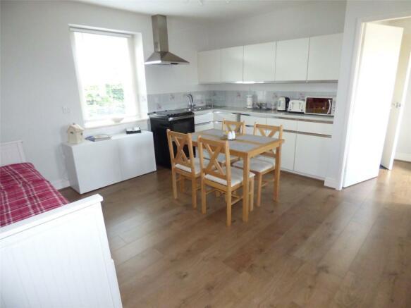 Annex Kitchen/Sitt.