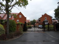 Town House to rent in Canford Cliffs