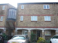1 bed Flat to rent in CALVERT DRIVE, Basildon...