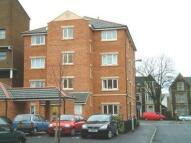 2 bedroom Apartment in Clos Dewi Sant, Cardiff