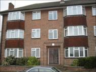 2 bedroom Flat in Greenford Road, Harrow...