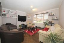 2 bedroom Flat in Fairlawn Close, London