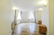 3 bedroom Flat to rent in Regency Street, Pimlico...