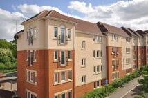 Apartment in Queripel Close...