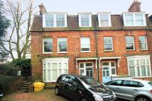 2 bed Apartment to rent in Grove Avenue...