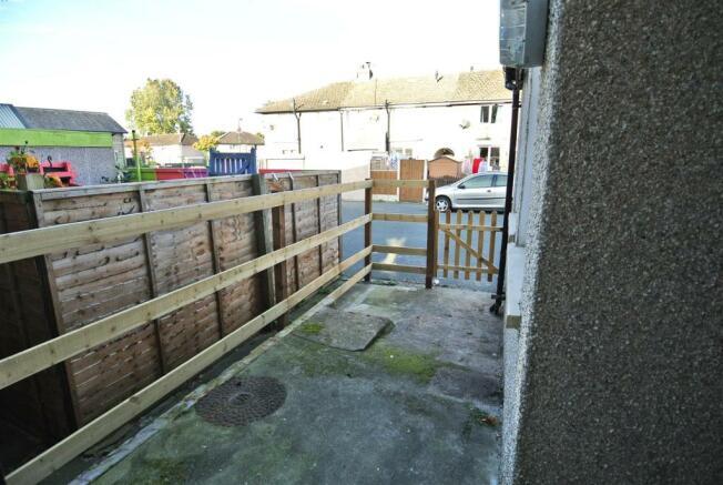 Enclosed Rear Yard