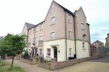 Town House to rent in Falstaff Court...