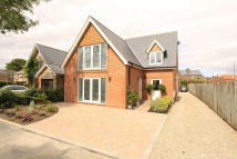 4 bed Detached property in Church Lane, Wigginton...