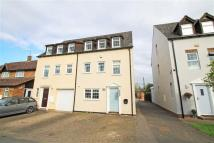 4 bed semi detached house in Castle Gardens...