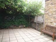 3 bed Cottage to rent in Lothrop Street, London...