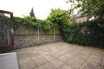 Cottage to rent in LOTHROP STREET, London...
