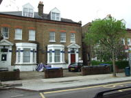 Studio flat to rent in BRONDESBURY ROA...