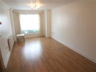 Flat in Blackthorne Court, ...
