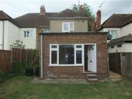 Flat to rent in Park Avenue, Wokingham...