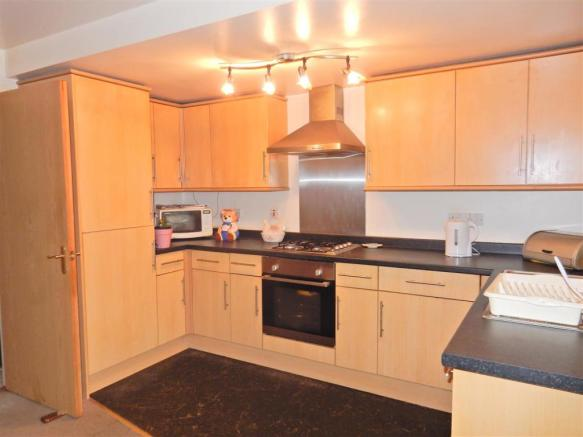 Fitted Kitchen With
