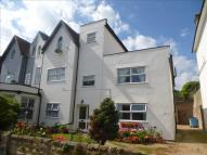 Flat for sale in Villa Road...