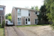4 bed Detached property in Willow Road...