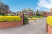 3 bed Detached Bungalow in Foxes Lowe Road...