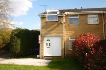 3 bed semi detached house in Disraeli Grove, Maltby...