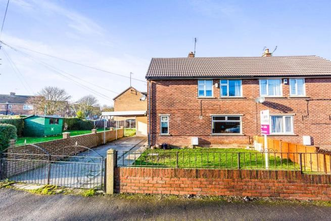 3 bedroom semi detached house for sale in holywell for Garden room braithwell
