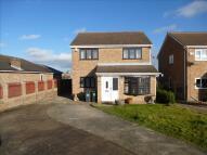 4 bed Detached property in Buckthorn Close, Swinton...