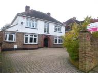 4 bed Detached house in Carmarthen Avenue...