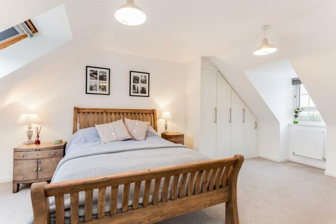 4 Bedroom Detached House For Sale In Sorrel Way PONTEFRACT WF8