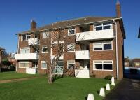 2 bedroom Flat in Rosslyn Road...