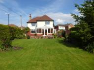 4 bed Detached house in Grove Road, PUDSEY