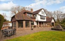 5 bedroom Detached home in Bassett Wood Road...