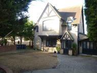 6 bedroom Detached house in London Road, Widley...
