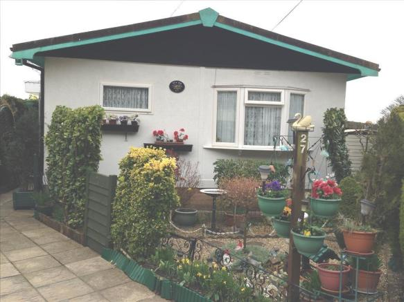 2 Bedroom Park Home For Sale In Cliffdale Gardens Cosham