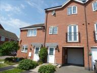 Town House for sale in Violet Close, Desborough...