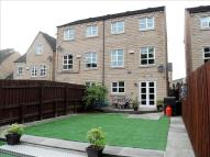 4 bed semi detached house in Copley Drive, HALIFAX
