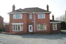 3 bed Detached house in Leeds Road, Ossett