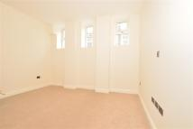 2 bed Apartment in Avenue Road, Sutton...