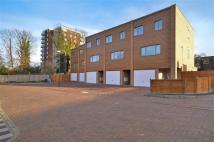 3 bed Town House in Mottistone Grove, Sutton...