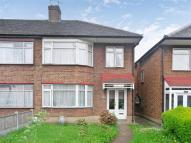 3 bedroom End of Terrace house for sale in High Road...
