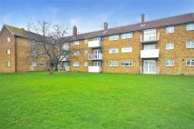 2 bedroom Flat in Padnall Road...
